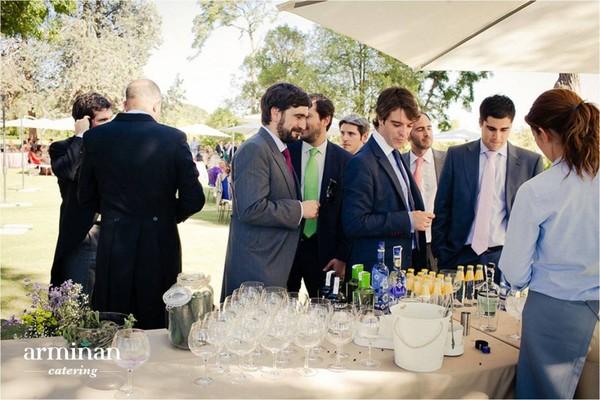 Boda-de-estilo-rústico-Barra-de-gin-tonics-Armiñan-Catering. Catering Madrid
