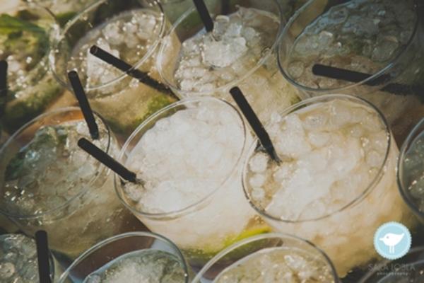 Boda-tipo-cóctel-Barra-de-mojitos-Armiñan-Catering