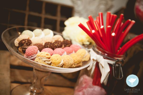 Boda-tipo-cóctel-Puesto-de-dulces-Armiñan-Catering