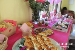 Catering-para-cumpleaños-infantiles-Minicroissants-rellenos-Armiñan Catering. Catering Madrid