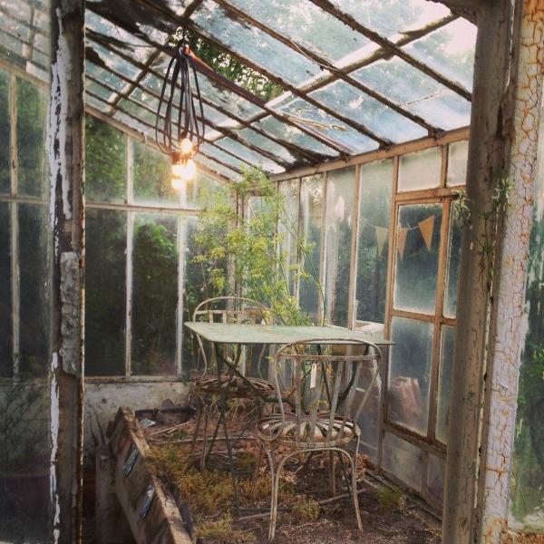 La casita de Margaux Mesa sillas